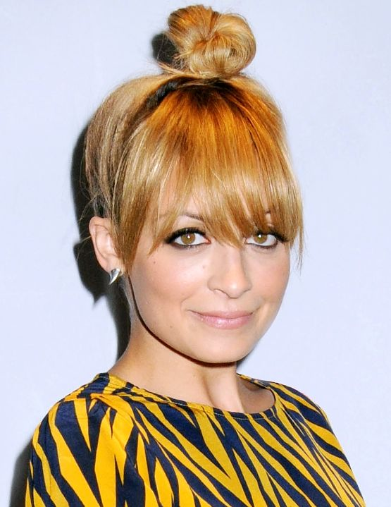 Channel your inner ballerina like Nicole Richie with this topknot bun how-to, straight from her hair stylist!Hair Beautiful, Favorite Hair, Chic Topknot, Tops Knots, Nicole Richie, Fine Hair, Hair Makeup, Hair Style, Create Nicole