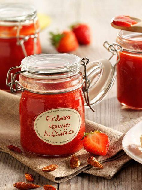 Mangos, Erdbeeren und scharfe Chilis – dieser Aufstrich weckt jeden Morgenmuffel auf! #Erdbeere #Mango #Chili #Gelee #Konfitüre #Rezept #DiamantZucker
