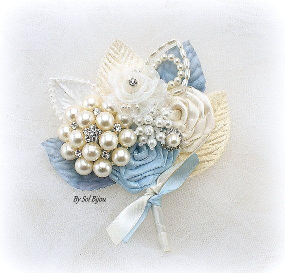 Broche flor en el ojal, azul claro, marfil, azul, pelea, ramillete de Blush, novio, madre de la novia, padrino, perlas, cristales, elegante, Gatsby