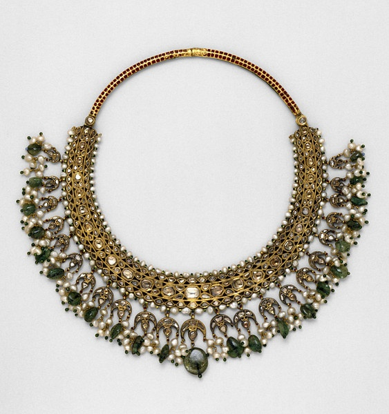 India | Enamelled gold, set with diamonds, pearls and emeralds necklace | ca. 1850