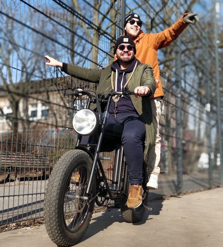 UNIMOKE is a cool, powerful urban utility cargo electric bike that seats two and is a blast to ride. Fat wheel cool vintage design combined with utility and sty