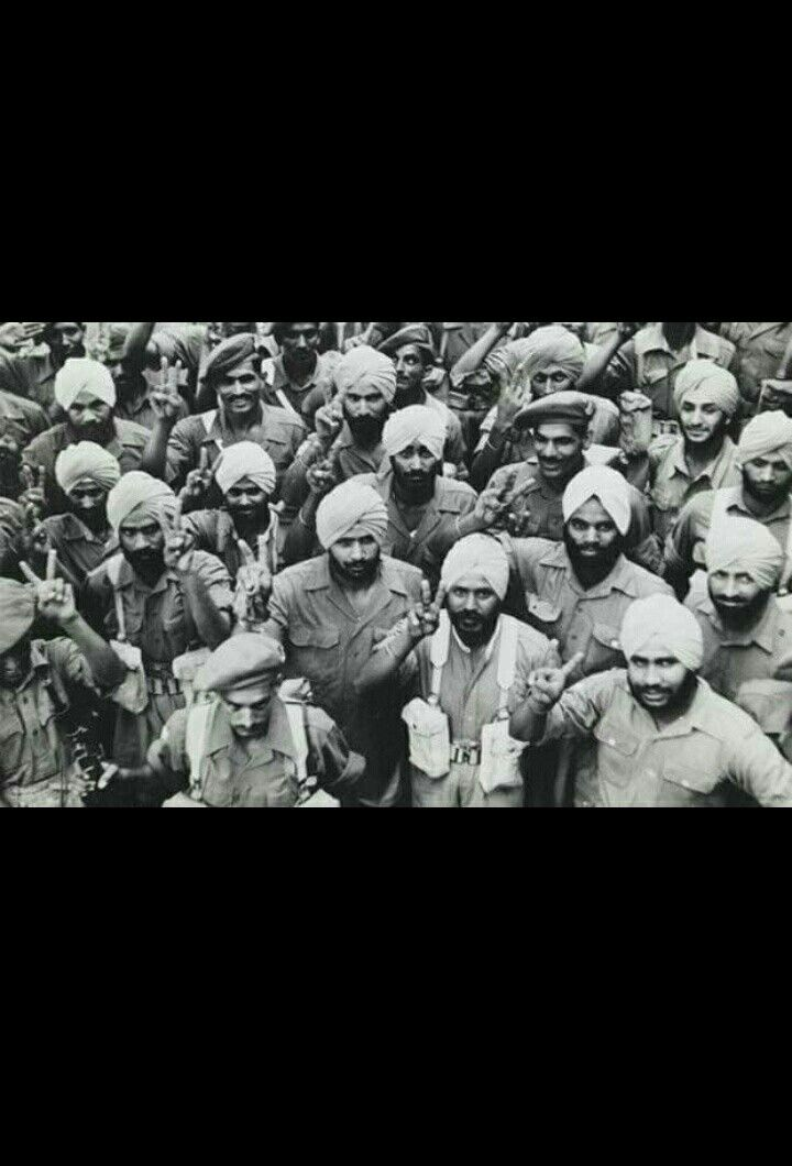 What a brilliant photo!  Sikh soldiers posing after World War 2 #Peace! More details r welcome.