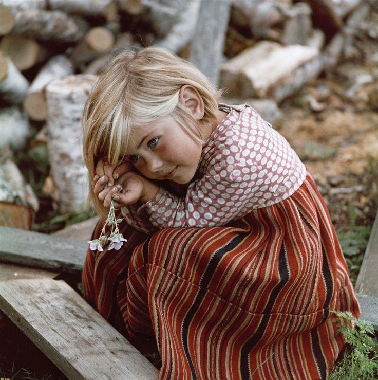 Продолжаем публиковать фотографии людей советской эпохи. Добрые, светлые, счастливые лица огромной красивой страны на снимках гениальнейших советских