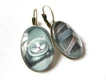Boucles d'oreilles chat cheshire cabochon verre sur DaWanda.com :hearts: