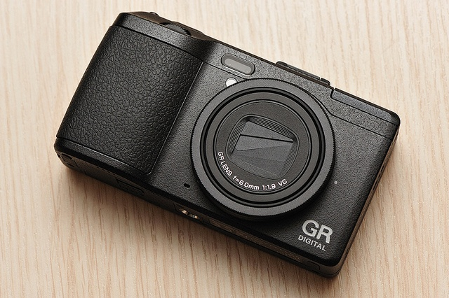 Ricoh GRD4: the finest snapshooter