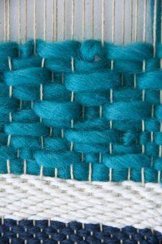 Beautiful small diamond weaving pattern video tutorial