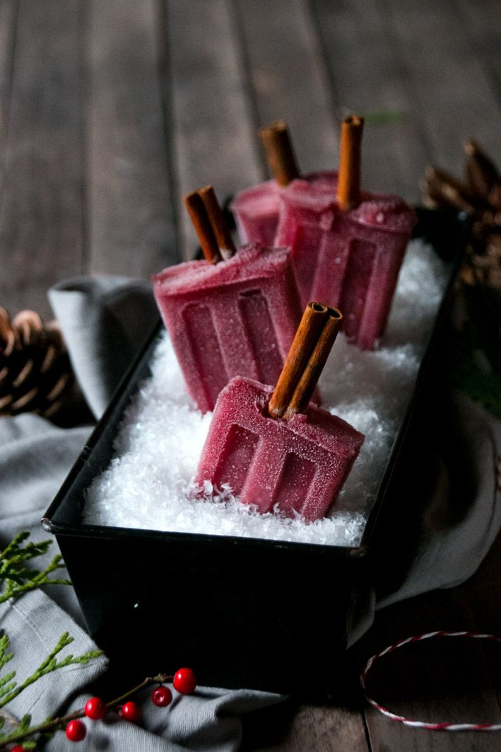 "Red Wine Popsicles | Foodlovin' (ooohh! Or what about Mulled Wine Popsicles!!!!). Love the idea of putting ""snow"" in a loaf pan to keep them frozen!"