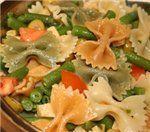 Вкусный салат из стручковой фасоли с макаронами