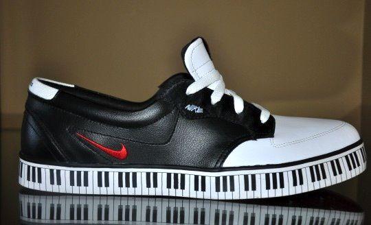 Nike piano keyboard