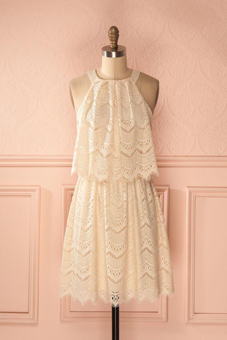 Elle était resplendissante avec sa magnifique robe en dentelle ! She was dazzling with her stunning lace dress! Cream lace halter dress https://1861.ca/collections/products/nabee-douceur