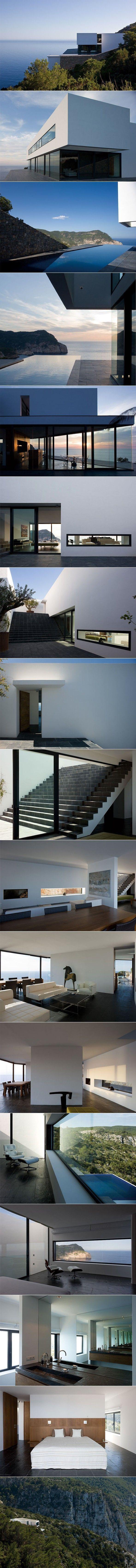 ARCHITECTURE >>> Maison AIBS par Bruno Erpicum and Partners - Journal du Design  ~ Great pin! For Oahu architectural design visit http://ownerbuiltdesign.com