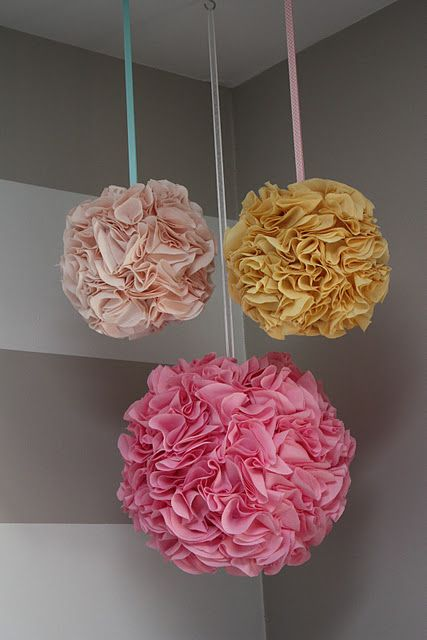 Flower Balls - this looks like an  easier method than the others I've seen: Pom Pom Tutorial, Idea, Pom Poms, Paper Lanterns, Pompom, Diy Pom, Fabrics Ball, Fabrics Pom Pom, Little Girls Rooms