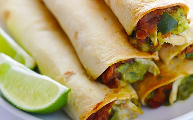 You only need 5 ingredients to make these tasty chicken guacamole taquitos.
