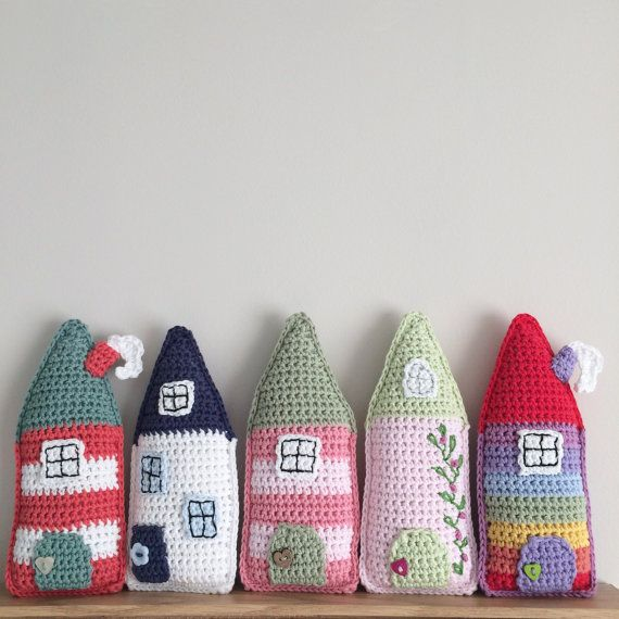 **This is a digital download for a pdf pattern, not the finished item.** This a pdf pattern to make a little crochet folk house. These little houses were inspired by my love of Scandinavian houses. The pattern is written in UK terms. The little houses look great standing or hanging.