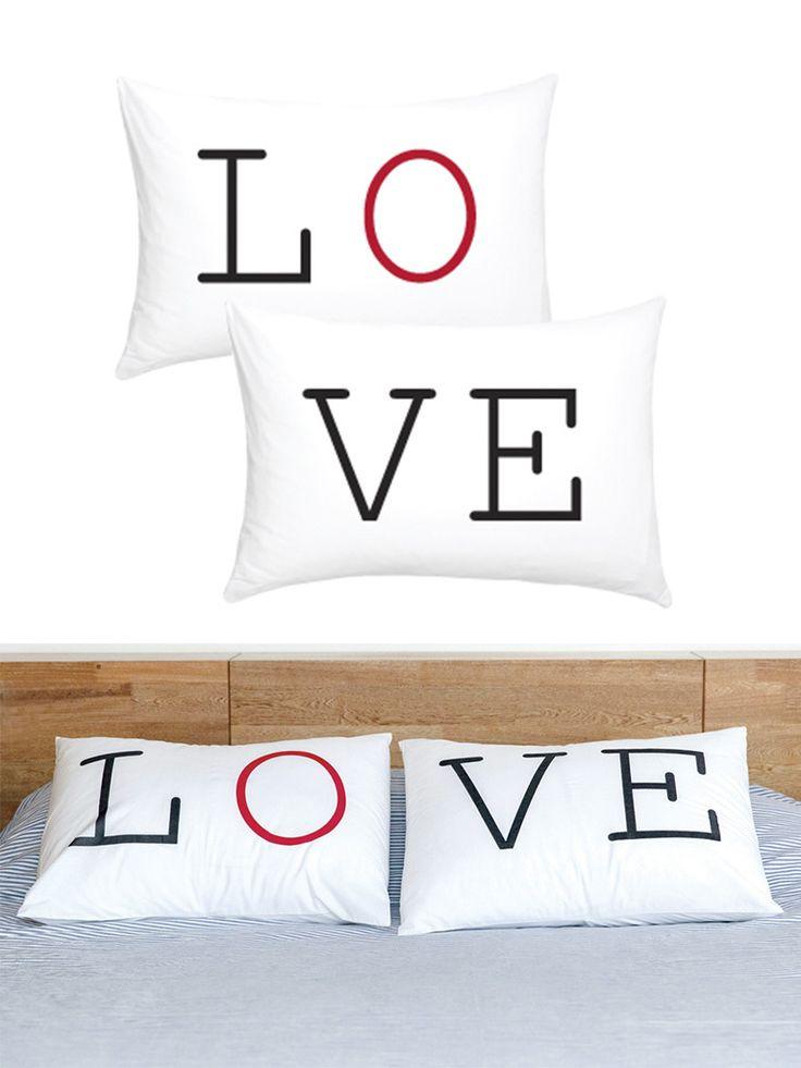 Funda de Almohada [LOVE]. Marca [LOVE TO BE]