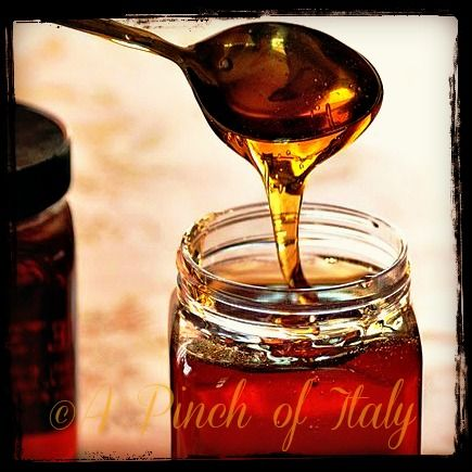Golden Syrup fatto in Casa: http://blog.giallozafferano.it/apinchofitaly/golden-syrup-fatto-in-casa/