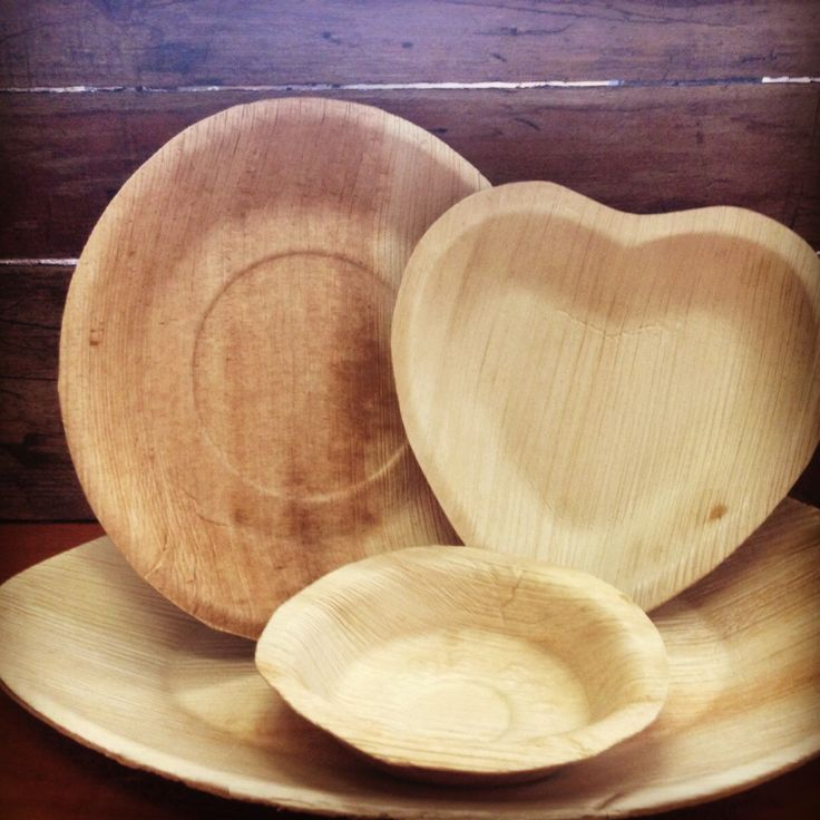 Looking for a beautiful, natural plate for your green wedding or special event? Look no further! Made from naturally fallen Areca palm leaf sheaths, these stylish and unique eco plates, platters and bowls have a beautiful natural appearance and are suitable for all types of green events - Visit our website for a full list of shapes sizes and prices.