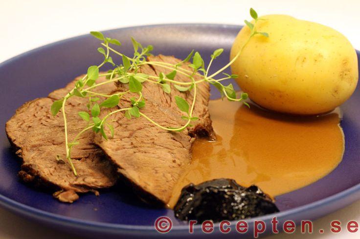 Porterstek - Recept på porterstek med en himmelskt god sås med fyllig smak som görs på kokspadet som man kokar steken i. Perfekt bjudmat.