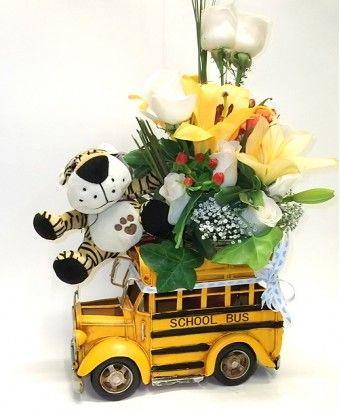 School Bus & peluche original arreglo floral para nacimiento