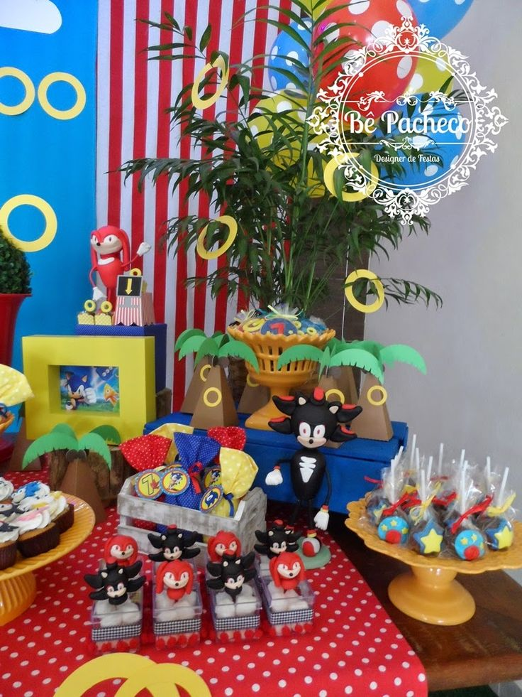 O Gabriel adora games e o tema escolhido para sua festa de 7 anos foi Sonic!  A mamãe Margaret escolheu tudo com todo carinho para que a fes...