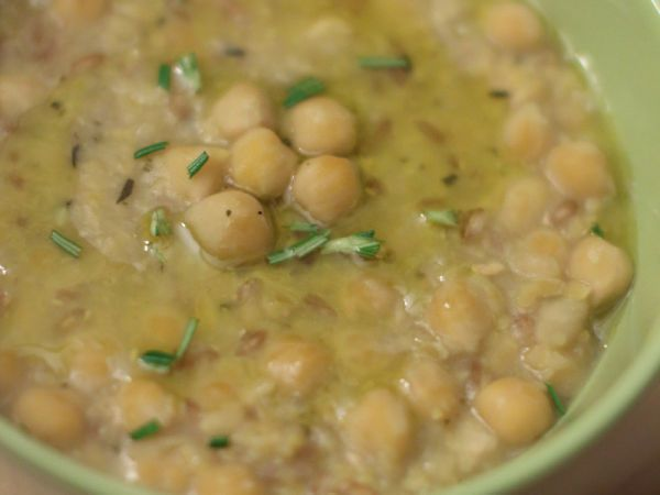 Zuppa di ceci e farro al rosmarino e timo, Ricetta da In-Cucina-con-il-Naturopata - Petitchef