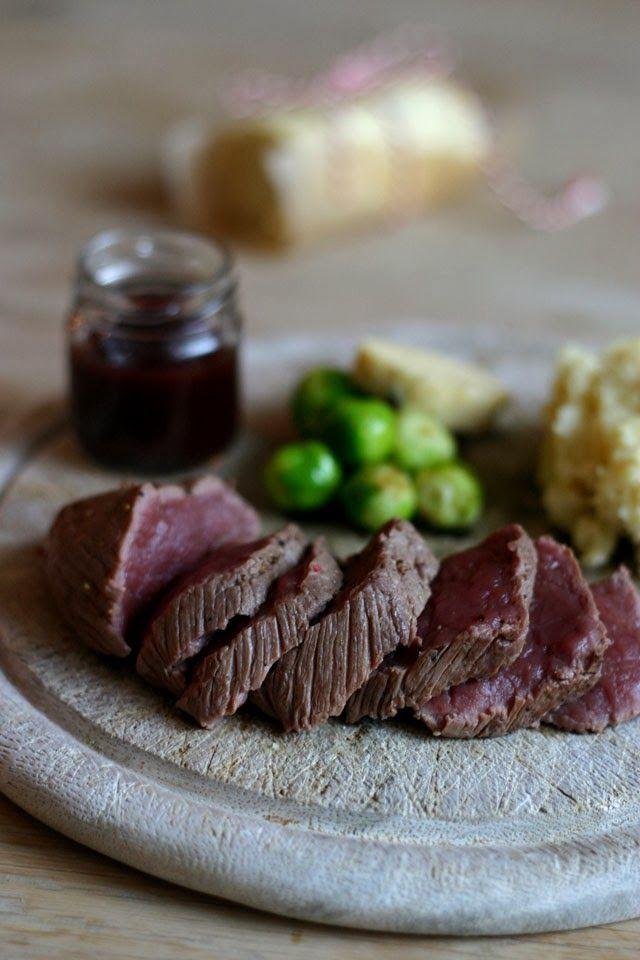 Christmas dinner inspiration / kerstdiner inspiratie hertenbiefstuk met rodeport siroop & pastinaakpuree