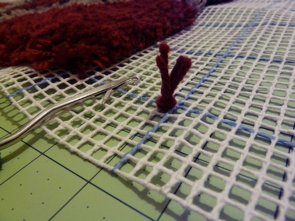 To Dos: Make A Latch Hook Rug