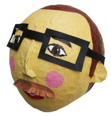 Ook een leuk idee voor een sinterklaas surprise - maak een portret van degene wiens lootje je getrokken hebt! Mbv een ballon.