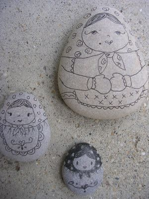 Gingerbread Cottage: Beach Stones