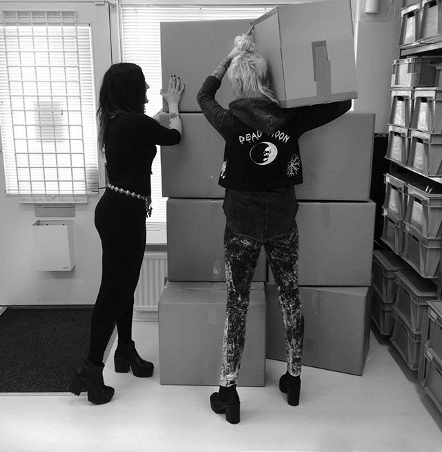 Spring news in the studio    #tiedye #denim #platforms #allblack #bohemian  #behindthescenes #bts - We are the Hellaholics (@hellaholics)