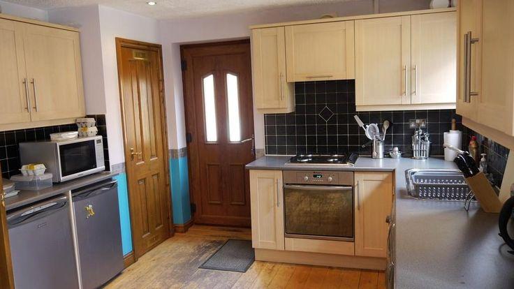 30 best howden kitchens images on pinterest kitchen. Black Bedroom Furniture Sets. Home Design Ideas