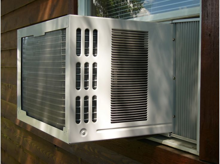 Rendement énergétique, puissance (Btu/h), minuterie, prix, filtre... Voici les caractéristiques à connaître avant de choisir un climatiseur de fenêtre. À noter que cet article n'est pas un test, mais plutôt un guide d'achat pour vous aider à f...