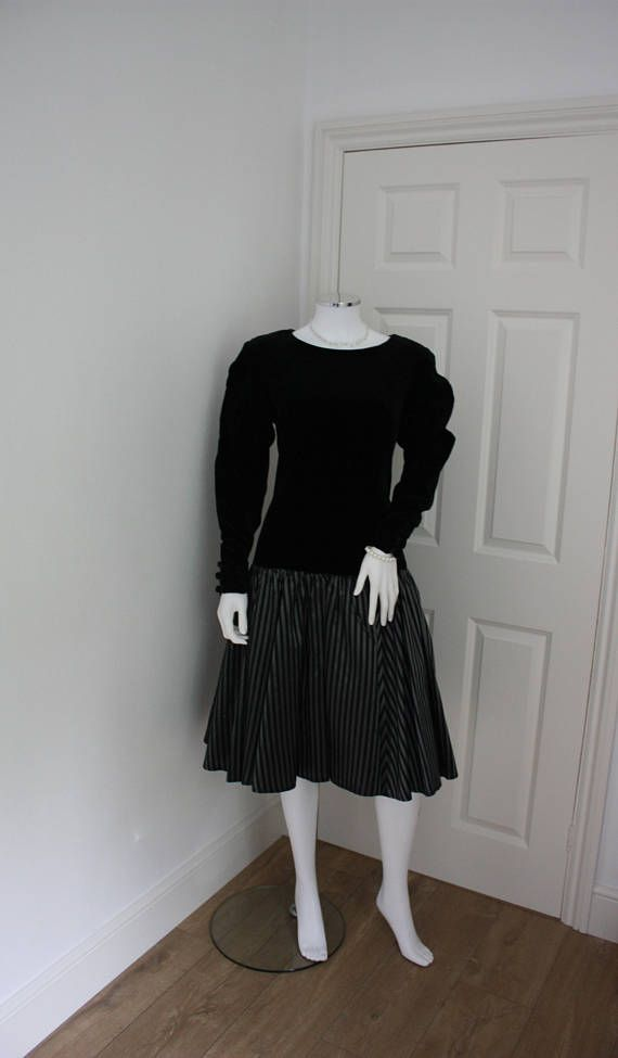 Hey, I found this really awesome Etsy listing at https://www.etsy.com/listing/525648726/vintage-laura-ashley-dress-halloween