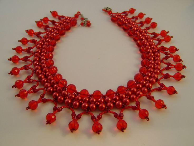 Santa Claus necklace by Dorottya Madarász (Facebook: Dorabead)