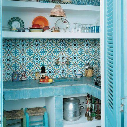 cucina in mattoni azzurra e blu