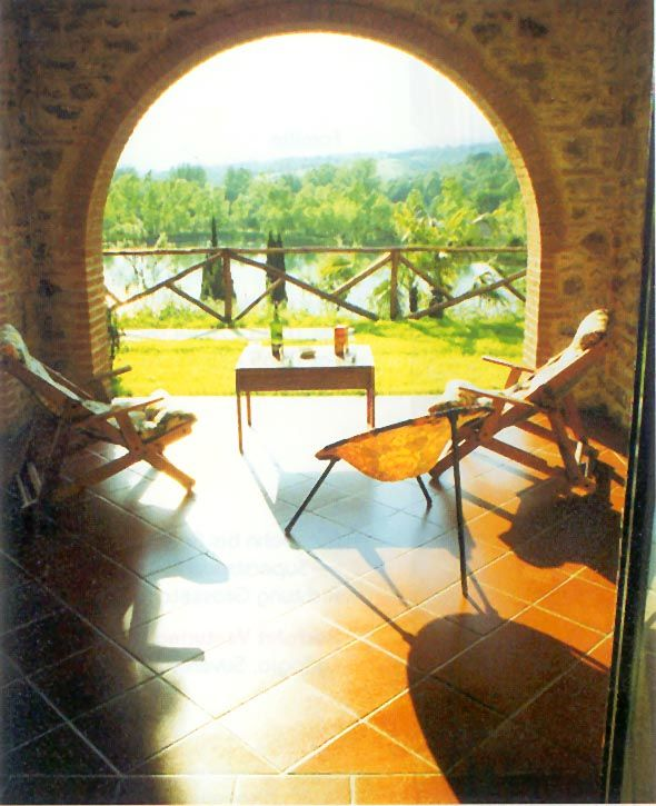 Che vista meravigliosa !! #scorcio #veduta #relax #poltrona #vacanze #relais #riposo #benessere #natura #lago #