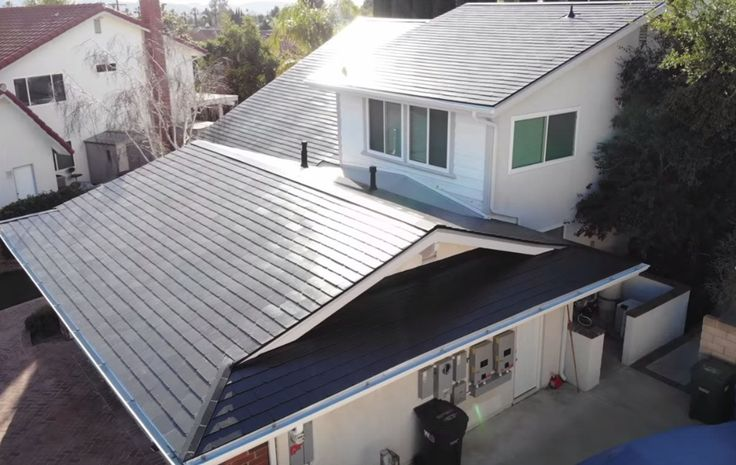 "Solar ""shingles"" last 3 times longer than regular roofs"