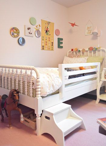love this setup as a toddler bed!