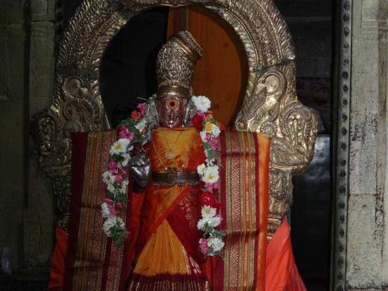 Ekambareshvara Temple - Goddess Kamakshi Devi  Ekambaranathar Temple or Ekambareswarar Temple is a Hindu temple dedicated to Shiva located in Kanchipuram in the state of Tamil Nadu India. The temple is the largest temple in the town of Kanchipuram and is located in the northern part of the town. The temple gopuram (gateway tower) is 59m tall which is one of the tallest gopurams in India. It is one of the five major Shiva temples or Pancha Bootha Sthalams (each representing a natural…