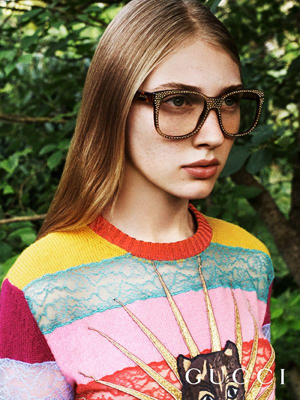 Discover new Gucci Eyewear from the Cruise 2017 Collection. Tortoiseshell acetate frames with hand-applied pave rhinestones, finished with the Gucci logo on temples.