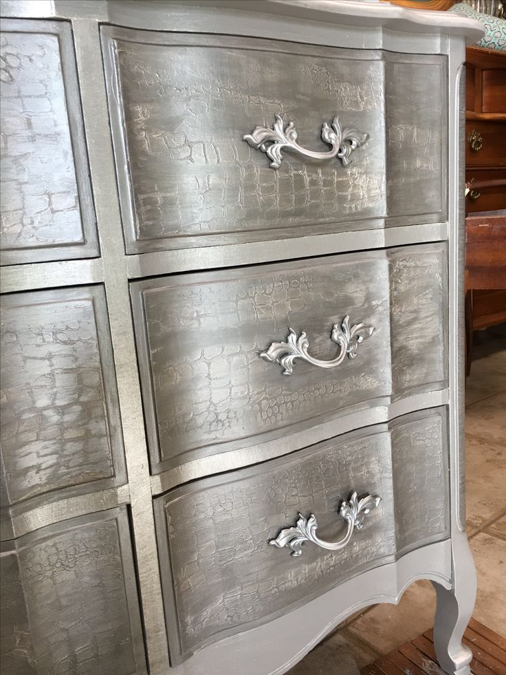French Provincial Restyle Using Paint Couture Paints, Metallic Paints And  Glazes. Iu0027m Located In Topeka Kansas AND I Do Custom Painting.