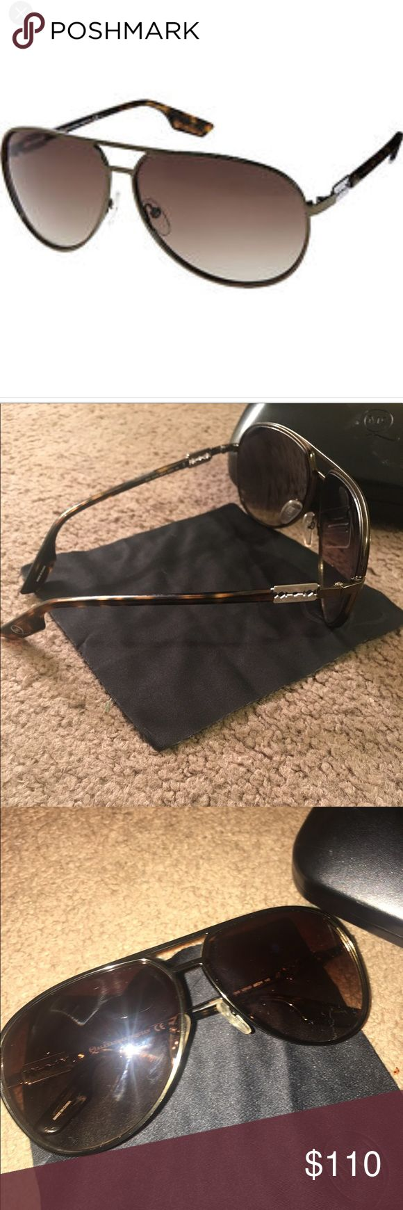 Alexander McQueen ( Razor) Sunglasses Alexander McQueen ( Razor) Sunglasses brown wore twice bought from Saks a year ago comes with original case and cleaning clothes excellent shape no scratches. More pics if needed Alexander McQueen Accessories Sunglasses