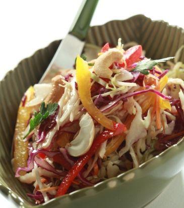Σαλάτα λάχανο με πιπεριές, καρότο, κάσιους και βινεγκρέτ με σόγια | Γιάννης Λουκάκος