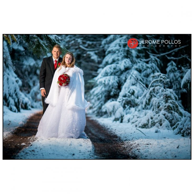 Michaella and Nelson found themselves in a winter wonderland for their wedding day. #Cold #Documentary #Idaho #Sagle #Wedding #Winter #Bride #Groom #Portrait #Snow #IdahoPhotographer #IdahoWeddingPhotographer #baileywedding11517