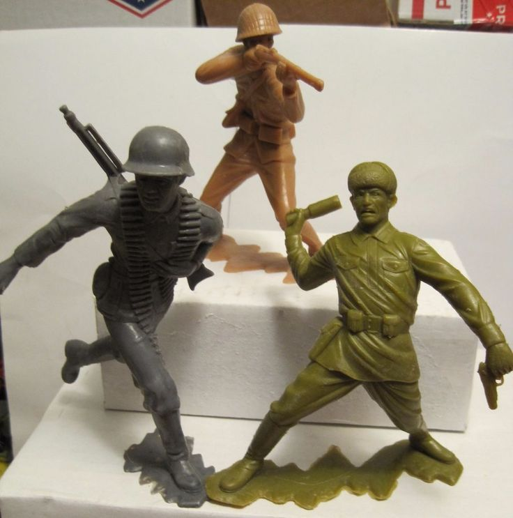 MARX BATTLEGROUND PLAYSET RUSSIAN GERMAN JAPANESE 6 INCH PLASTIC TOY SOLDIERS #MARX