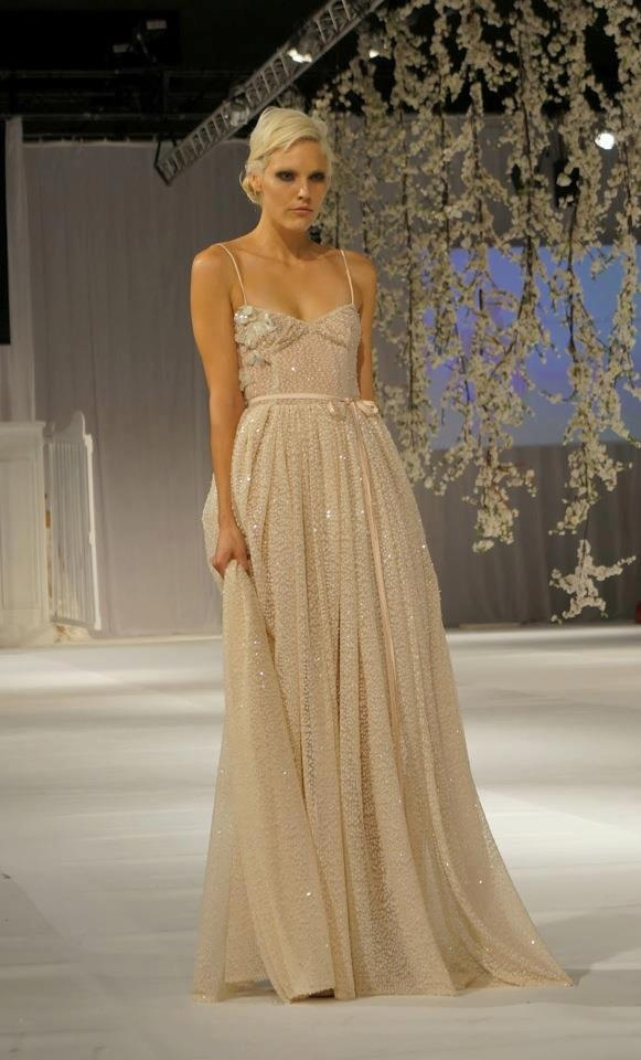 Aenessia: Wedding Dressses, Lace Wedding Dresses, Fashion Dresses, Bridal Dresses, Sequins Gowns, Vintage Wedding Dresses, Ivory Sequins, Couture Fashion, Catwalks Fashion