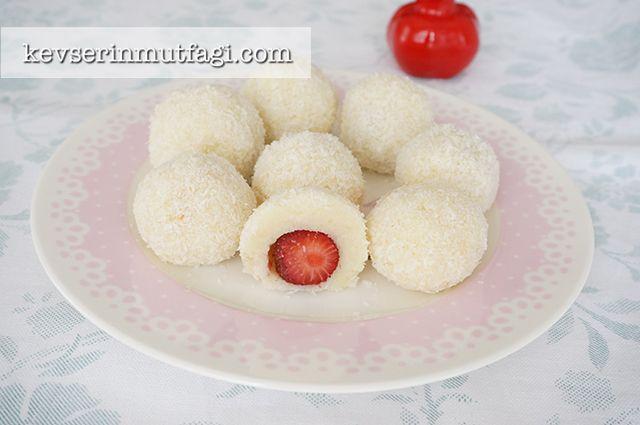 Çilekli Prenses Lokumu Tarifi - Kevser'in Mutfağı - Yemek Tarifleri