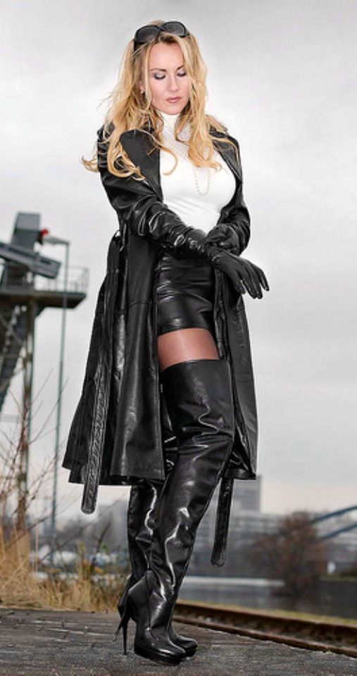 Black Leather Skirt Trench Coat Thigh Boots Comtesse
