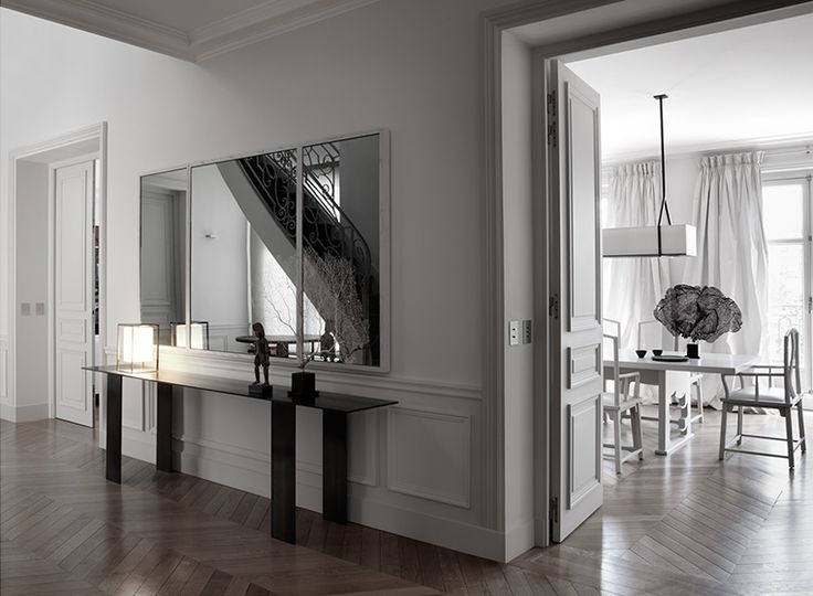 Renovation of a classical aprtment in Paris. Apartment Victor Hugo by Guillaume Alan.