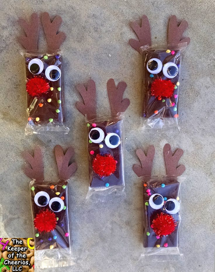 Rudolph Reindeer Brownies We love to make pre- packaged treats, it so much fun and great for the kids to take to school. Unfortunately now days its hard to bring treats that are not pre-packaged from the store, so this makes it fun and easy. MATERIALS USED: Cosmic Brownies Here Red Pom Poms Here Wiggle Eyes Brown Construction paper Hot glue and glue gun Scissors DIRECTIONS: Start by deciding how you want your antlers to look, then cut out of brown construction paper your desired antlers…